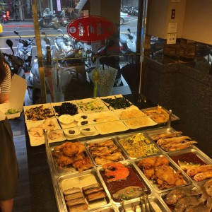 台湾 台北 中山 日本人 留学 台湾留学 安い宿 安宿 ルームシェア シェアルーム 安い部屋 長期滞在 ワーホリ ゲストハウスmimi 女子 女性 お弁当 ビュッフェ
